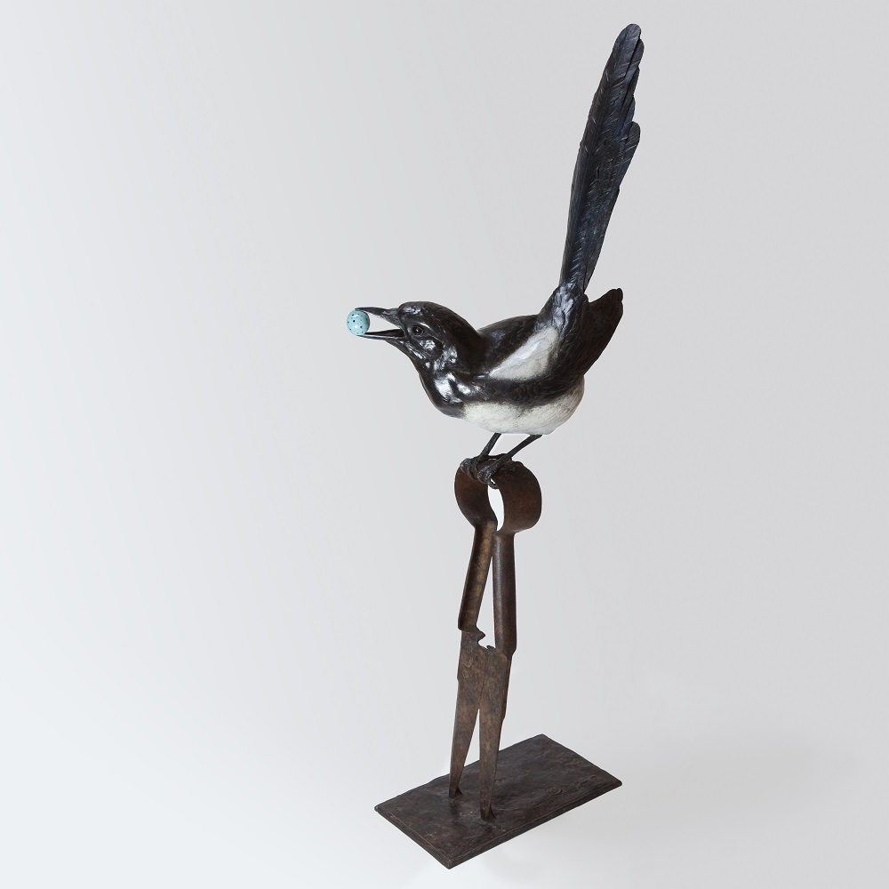Magpie Sculpture